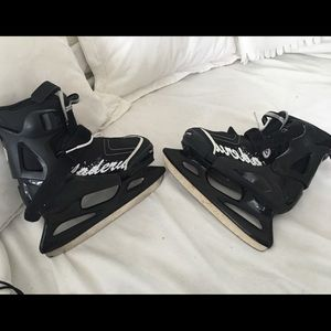 Boys ice skates bladerunner by Rollerblade 5 youth